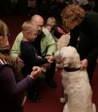 Vaikai, tėveliai ir specialieji pedagogai bendravo su šunimis